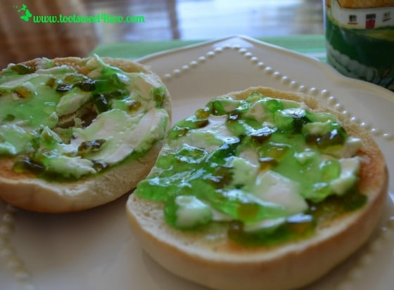 Toasted Bagel with Cream Cheese and Jalapeno Pepper Jelly
