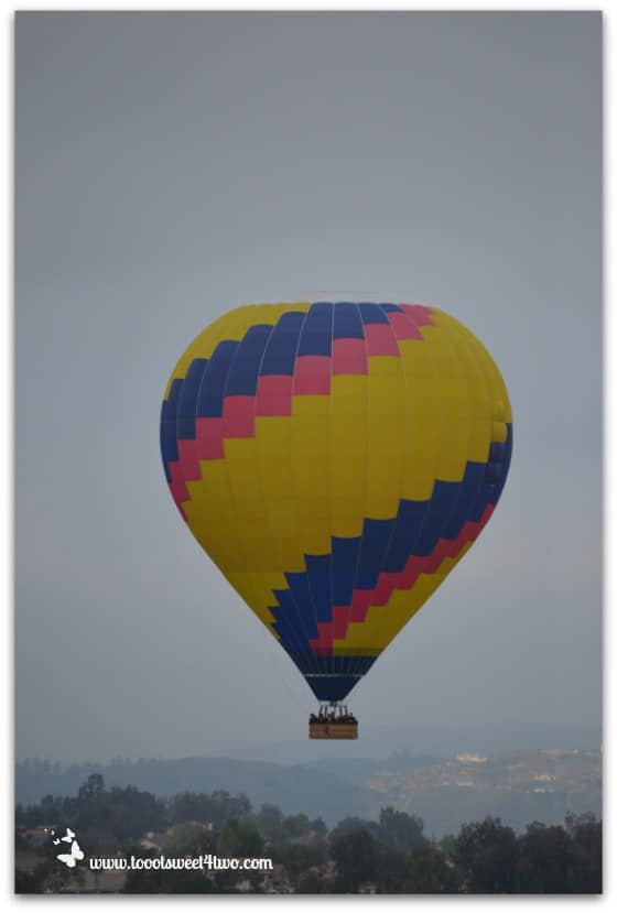 Spiral-striped Hot Air Balloon ascending