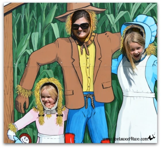 Scarecrow and Prairie Girls