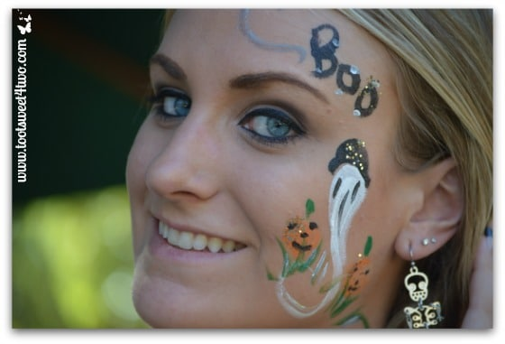 Samantha's face-painting done