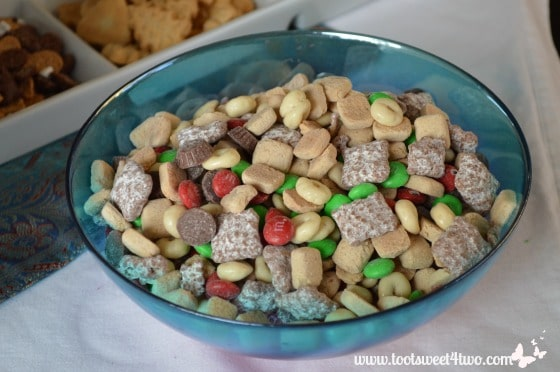 Reindeer Mix in a blue bowl