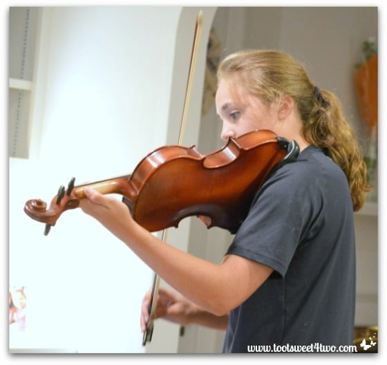 Bizzy and Viola - Pic 17 - The Virtuoso