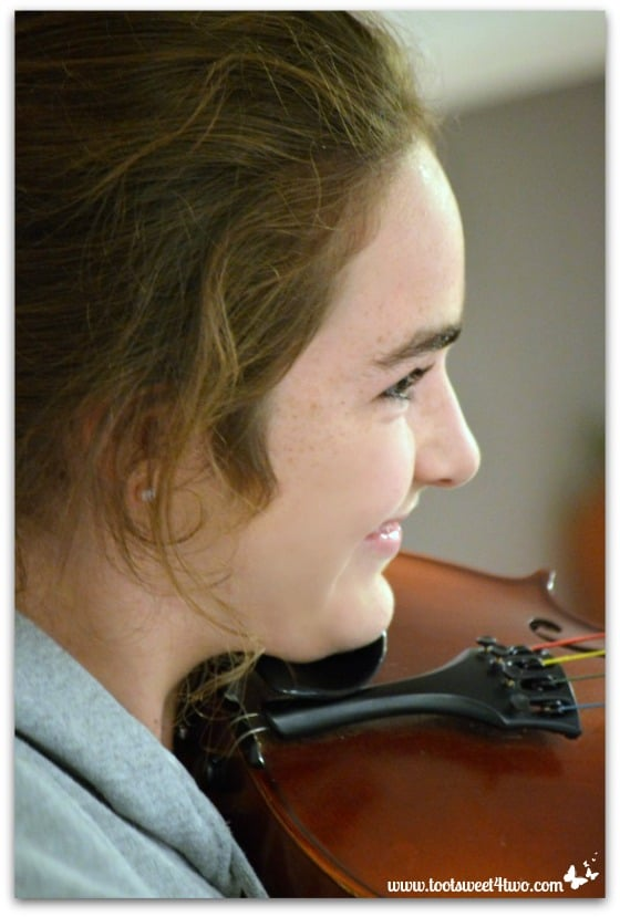 Molly and Viola - Pic 5 - The Virtuoso