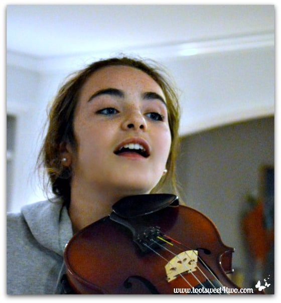 Molly and viola - Pic 3 - The Virtuoso