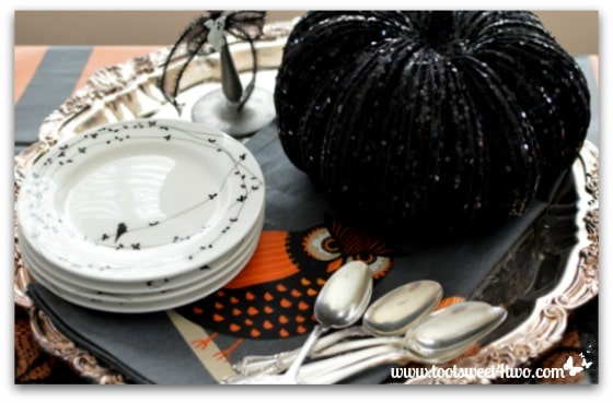 Ghosts in the Clouds - Pic 4 - Halloween tablescape