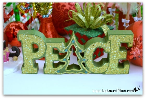 Peace sign on the Christmas table