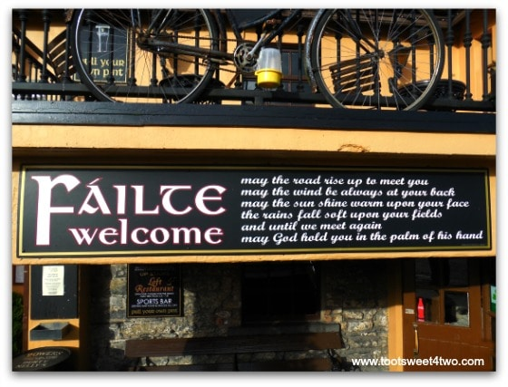 Failte Welcome - 17 Irish Blessings, Proverbs and Toasts