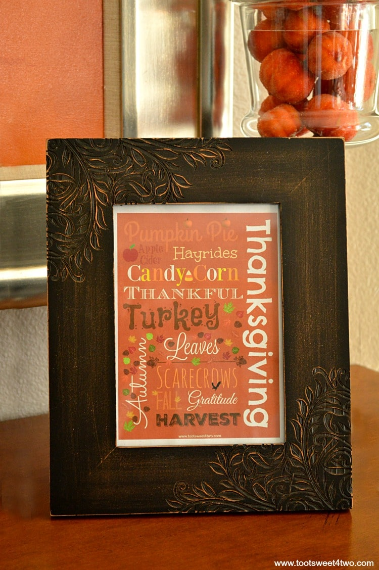 Framed Autumn printable close-up