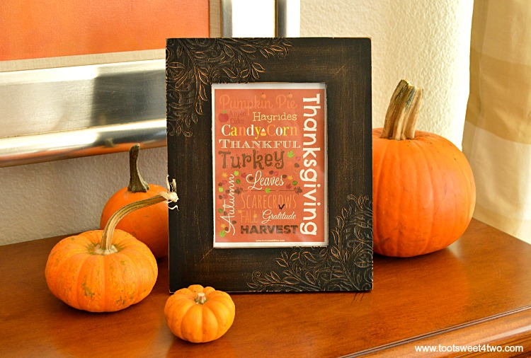 Framed Autumn printable with real pumpkins