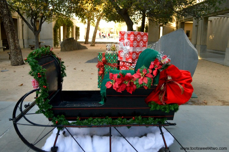 Sleigh decorated for Christmas