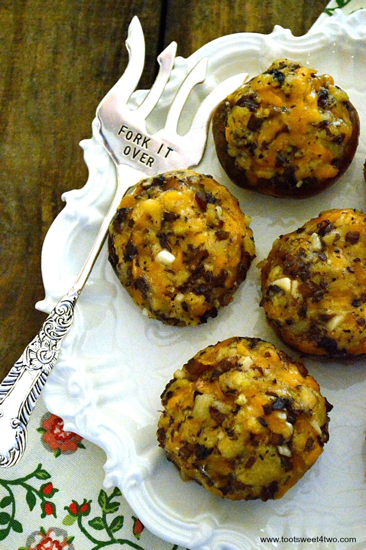 Thanksgiving Leftovers: Cornbread Stuffing Stuffed Mushrooms - a great way to use leftover cornbread stuffing!