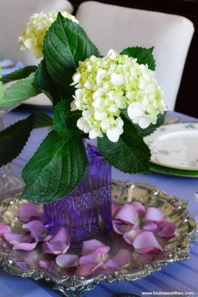 Dining Table Decor Ideas: Purple and Green