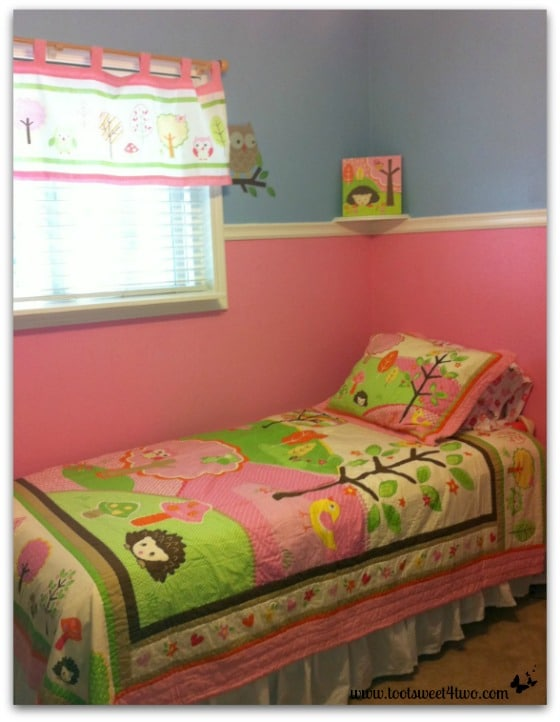 The Princesses P pink bedroom