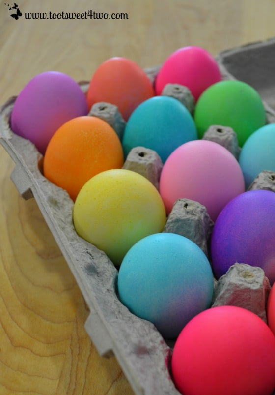 A dozen beautifully dyed Easter eggs!