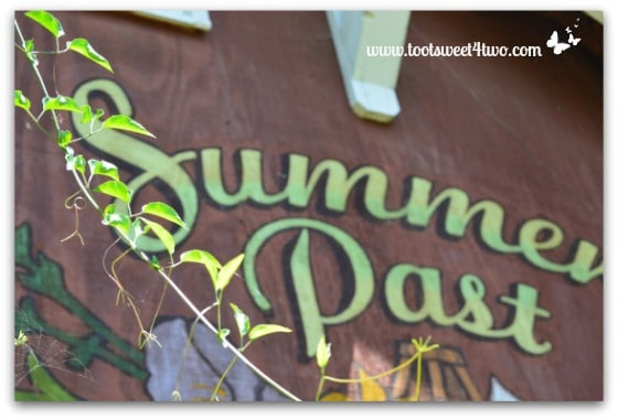 Summers Past Farm sign