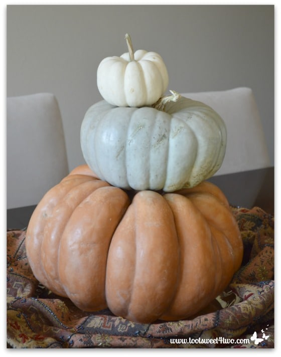 Topsy-turvy pumpkin stack