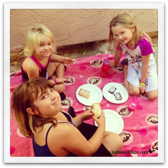 Playtime picnic for Princess Sweet Nature, Princess Sweetie Pie and Princess P
