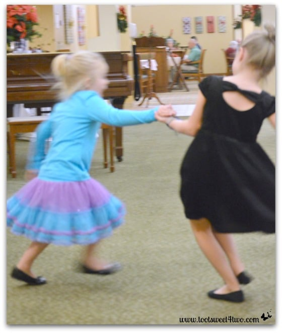 Tiny Dancers - Princess Sweetie Pie and Princess P - Make Your Own Kind of Music