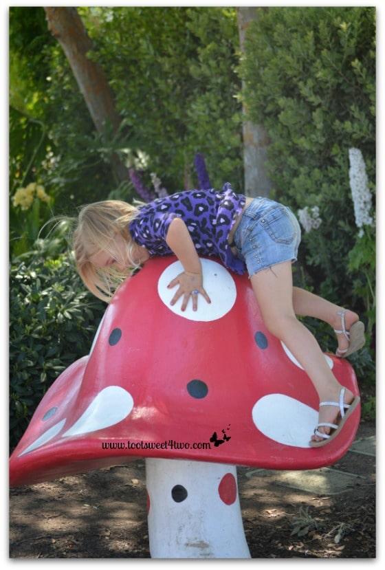 Princess Sweetie Pie climbing a giant mushroom - Do Better