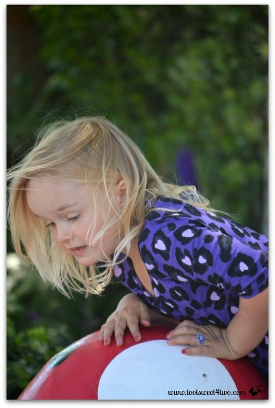 Princess Sweetie Pie working the giant mushroom - Do Better