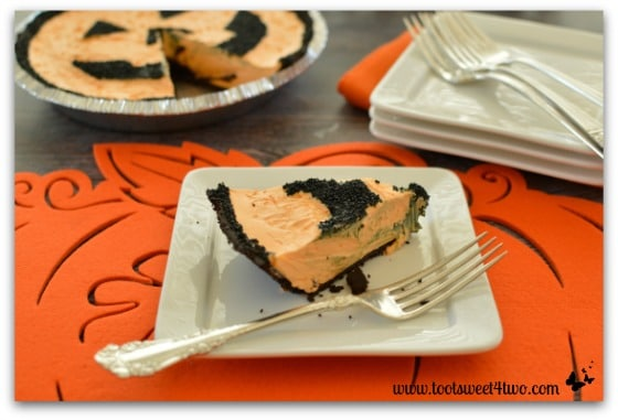 Easy Jack-O-Lantern Cheesecake Pie - Pic 5