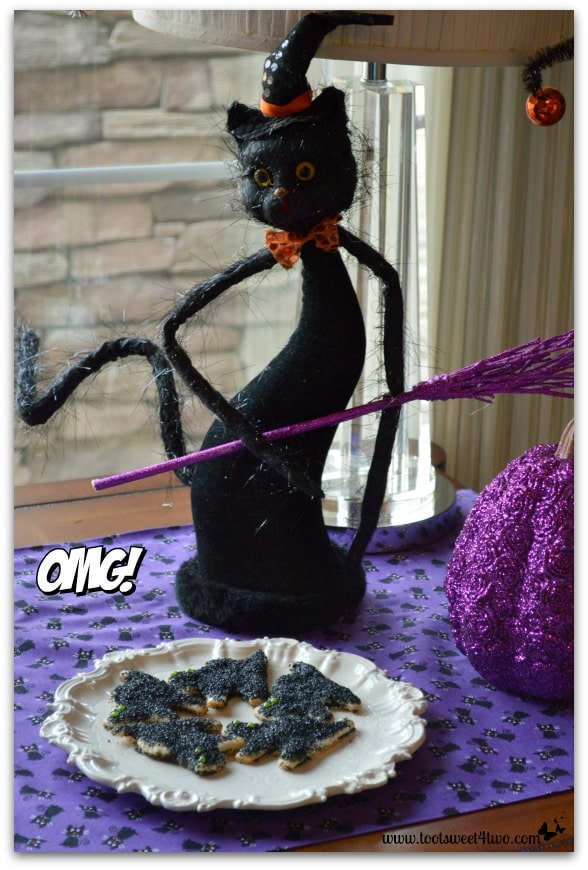 Pic 9 Black Halloween Cat with Scaredy Cat Pie Crust Cookies