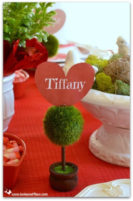 Tiffany heart-shaped placecard holder
