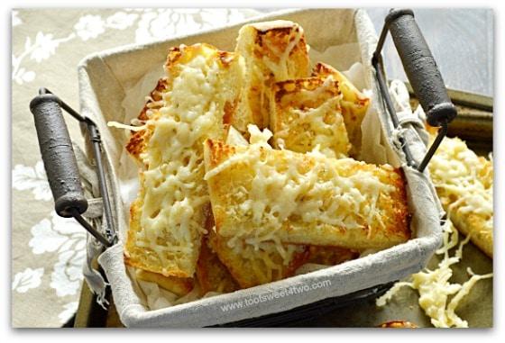Mickey's Garlic Parmesan Cheese Bread Pic 3