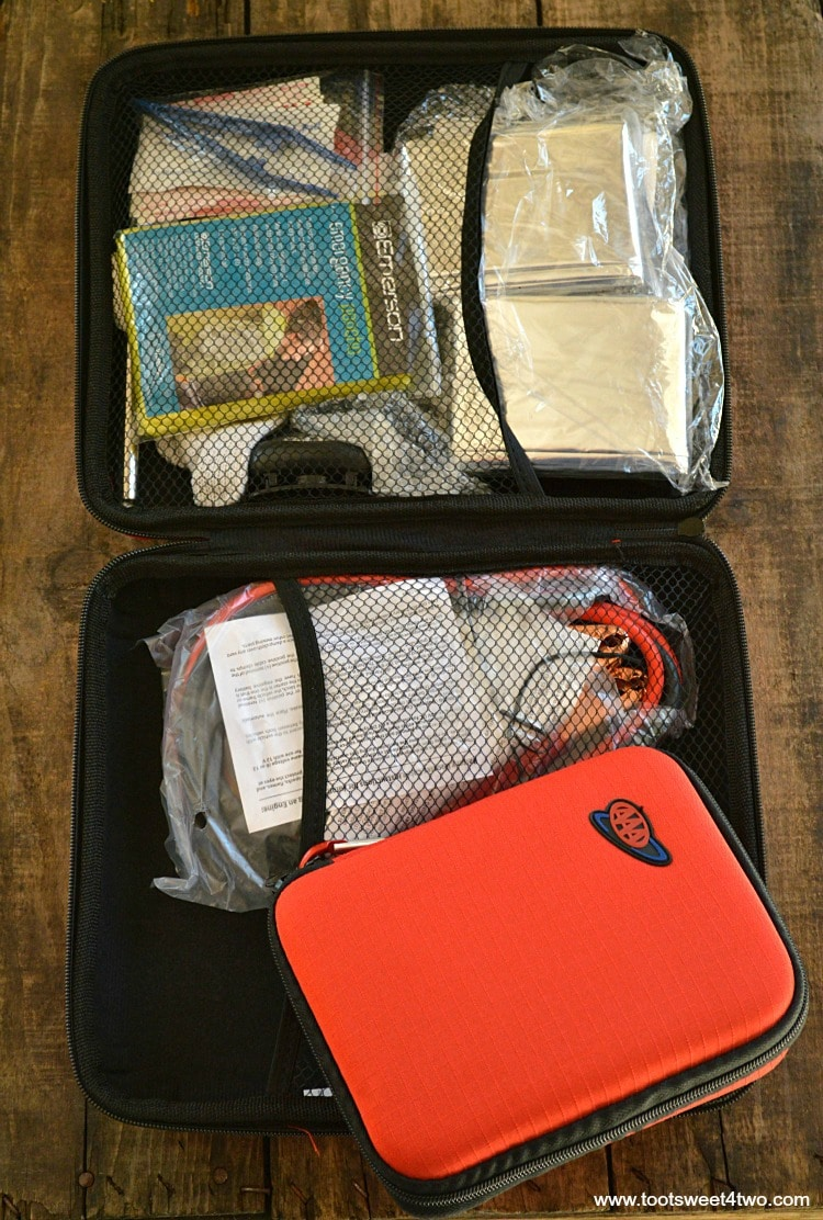 Inside Contents of Vehicle Emergency Kit