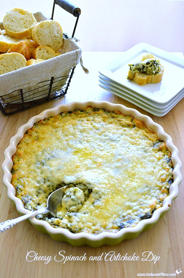 Thanksgiving Appetizer - Cheesy Spinach and Artichoke Dip