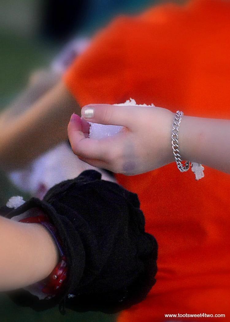 Princess Sweetie Pie handing her snowball to Princess P - pic 4
