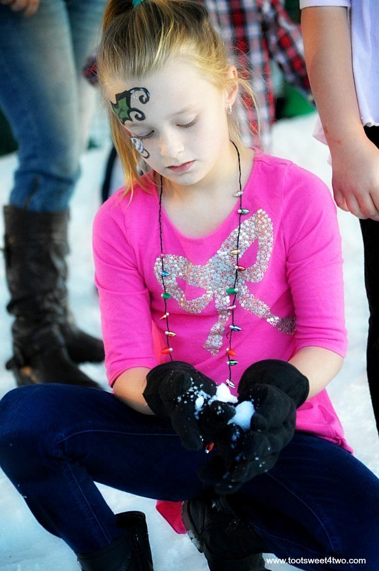 Princess P making a snowball - pic 9