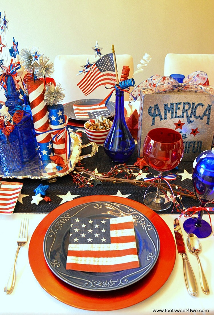 Decorating the Table for 4th of July - Toot Sweet 4 Two