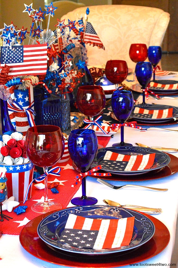 Decorating the table for a 4th of July party? Decked out in red white & Decorating the Table for 4th of July - Toot Sweet 4 Two